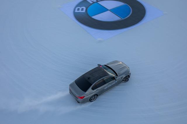 画像: まさかM5の初ドライブが雪上になるとは思わなかった。