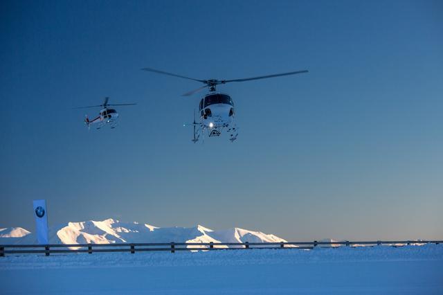画像: 最高の天気だったためヘリコプターからの景観もすばらしいものだった。