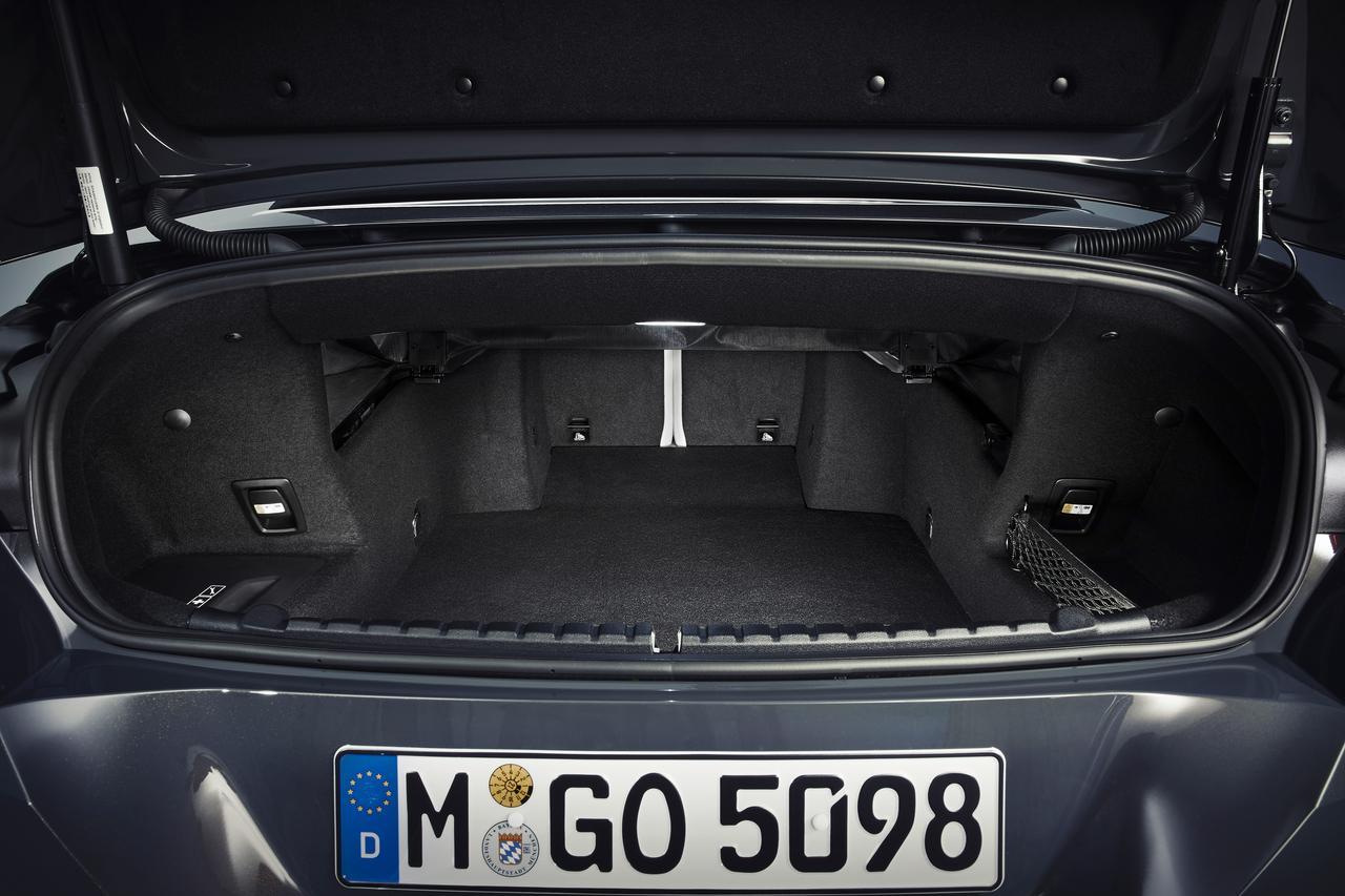 Images : 4番目の画像 - 「【ニュース】BMW 8シリーズ コンバーチブル公開、ロサンゼルスモーターショーでワールドプレミア」のアルバム - Webモーターマガジン