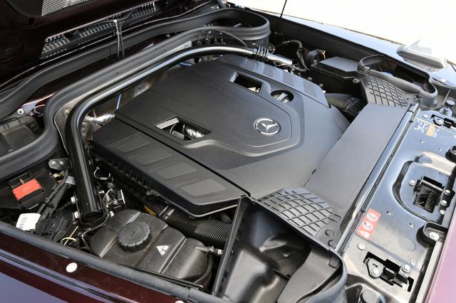 画像: G550は最高出力422psを発揮する4L V8ツインターボエンジンを搭載。