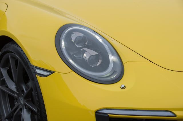 画像: バイキセノンライトを採用したヘッドランプは、LEDデイタイムランニングライトを装備。