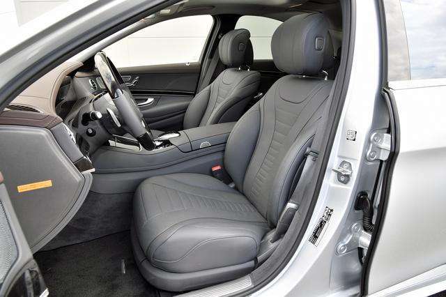 画像: ナッパレザーのシートはパッケージオプションだが、標準でも本革となる。後席は十分広い。