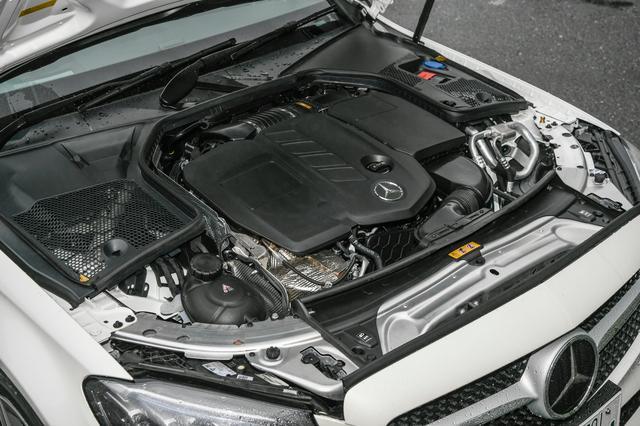 画像: Eクラスにも搭載されれているC220dのディーゼルエンジンは振動、騒音が低減された新世代型だ。