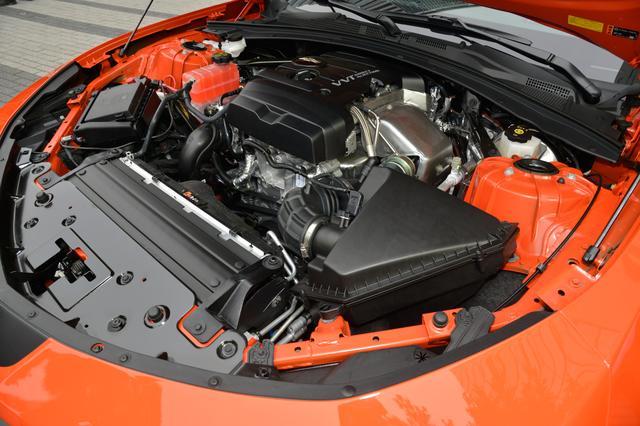 画像: カマロ ローンチエディションはクーペの 「カマロ LT RS」「 カマロ SS」に設定。写真は2L直4ターボを搭載するカマロ LT RS ローンチエディション。