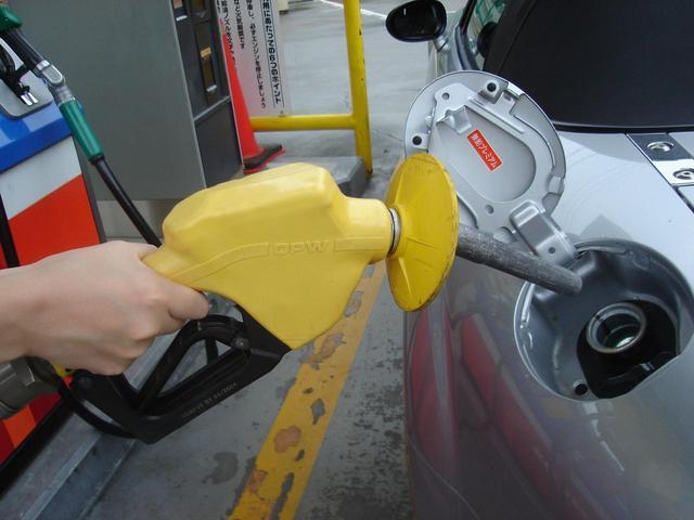 たら に レギュラー ガソリン ハイオク 入れ