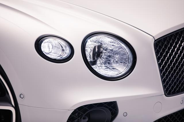 画像: LEDマトリクス技術を採用したヘッドライト。