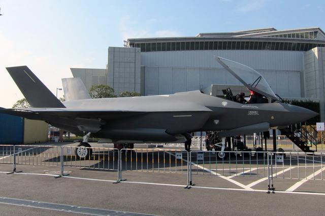 画像: ロッキードマーティンF35ライトニングII戦闘機。日本の航空自衛隊も採用予定だ。