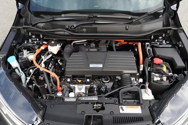 画像: 2Lエンジン+モーターのハイブリッド。1.5Lターボとも、FFと4WDの両方を設定している。