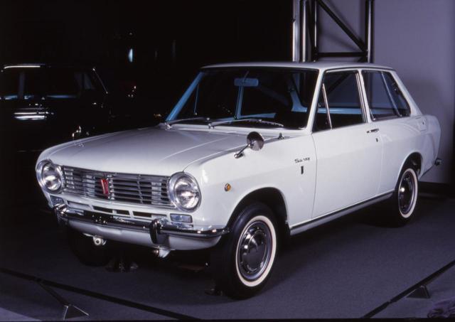 画像: 1966年の日産サニーもデビュー時は2ドアのみだったが、その後4ドアモデルを追加した。