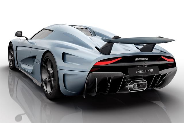 画像: 車速によってアップダウンする、ハイマウントアクティブリアウイングも採用している。