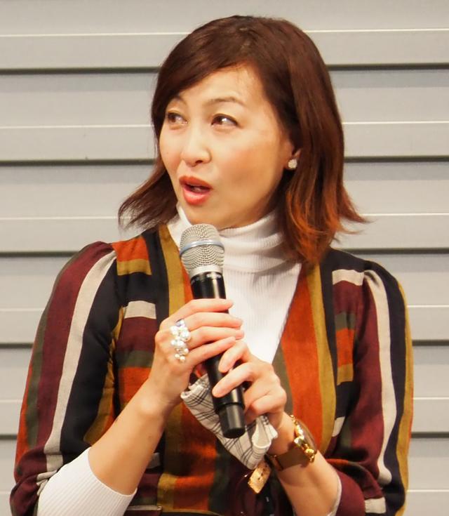 画像: 自動車評論家の吉田由美さん。