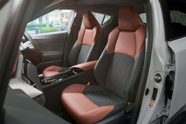 画像: トヨタ C-HRの特別仕様車「モード-ブルーノ(Mode-Bruno)」のシート。
