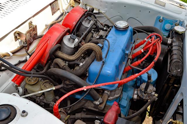 画像: チェリーに搭載時の排気量は1171ccになっていたA型エンジン。X-1・Rでもミッションは4速MTだが、俊敏なレスポンスで楽しく走ることができる。