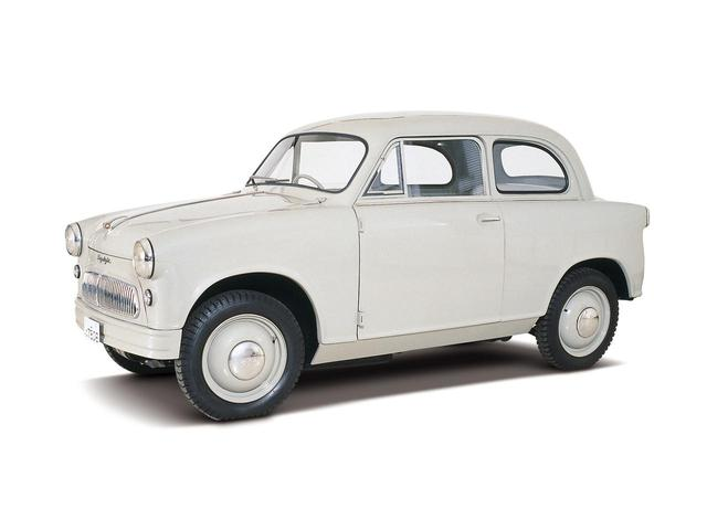 画像: 1955年に発売されたスズキ・スズライト。「その後の軽自動車のあり方を示唆、歴史に残る名車」として日本自動車殿堂歴史車にも選ばれた。