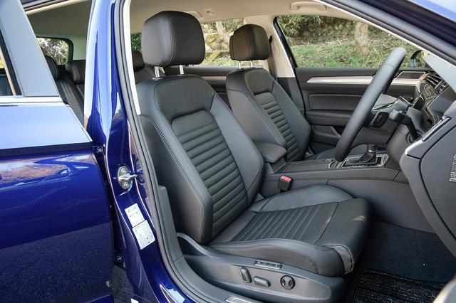 画像: 上級グレード「アドバンス」は前両席にナッパレザー仕様のベンチレーション機能付きパワーシートを装備。