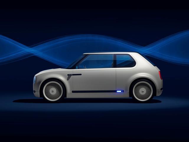 画像: サイドミラーがないのはコンセプトカーだから…と思いきや市販車にもドアミラーは装着されない。