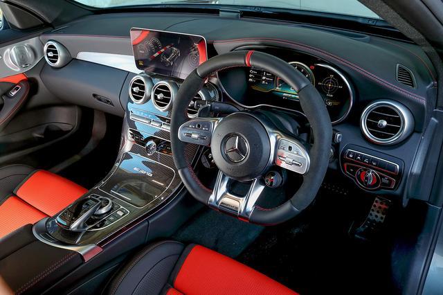 画像: AMG63 Sには「AMGドライブコントロールスイッチ」も設定されるAMGパフォーマンスステアリング。