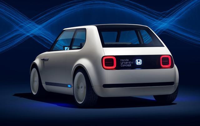 画像: コンセプトカーのリアコンビランプは四角いが、市販車は円形になる。