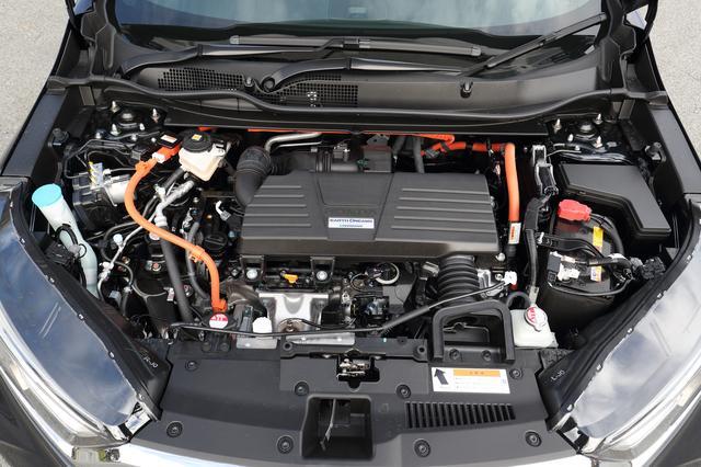 画像: 「スポーツモード」では、EV走行をより駆動力を高める方向で制御。ONにすると軽やかさが増していく。