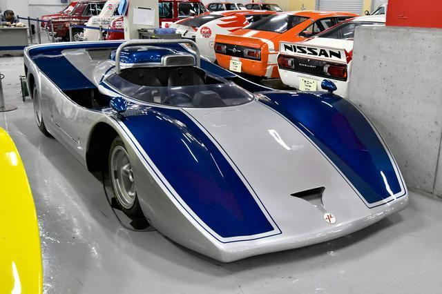 画像: 日本GPの3連覇を狙って開発されたものの、実戦に出場することはなかったニッサンR383。その車両内容が公表されたのは1976年のことだった。エンジンはR382のGRX3を700psにまで引き上げていたというから、トヨタとの対決が見られなかったのは残念でならない。