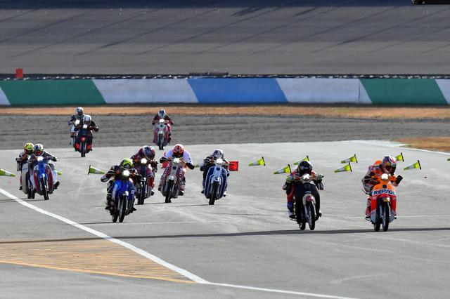 画像3: MotoGPの功労者がラストラン!