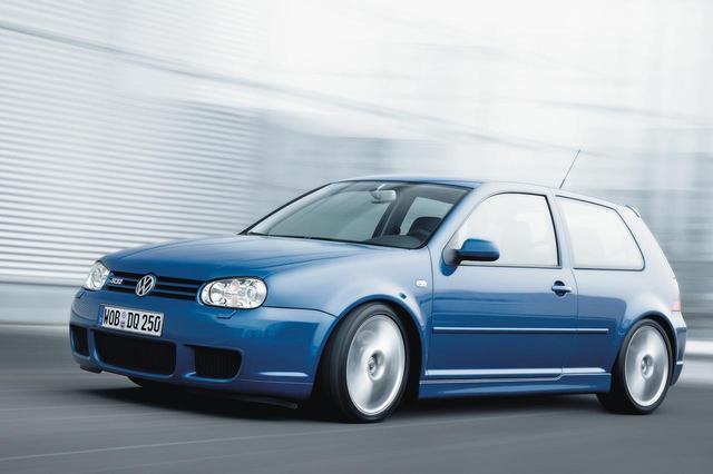 画像: フォルクスワーゲンのDSGは2003年、ゴルフIVのスポーツモデル、R32に初めて搭載された。