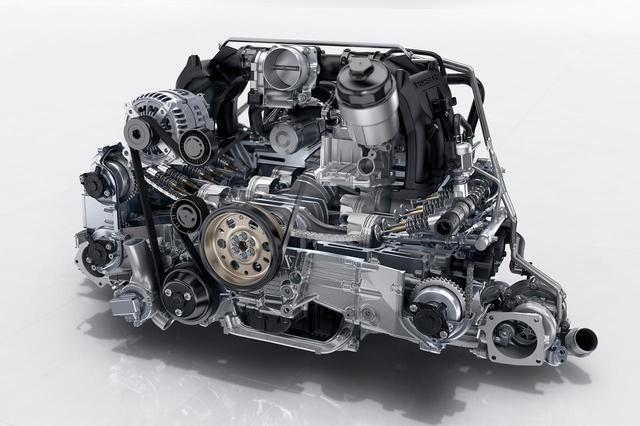 画像: ポルシェ911カレラS(991型)に搭載される水平対向6気筒3Lツインターボエンジン。420ps/500Nmを発生、最高速度は308km/h、0→100km/h加速は4.3秒(7速MTモデル。クーペ)というパフォーマンスを発揮する。