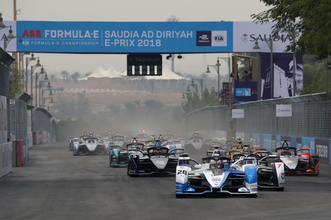 【モータースポーツ】BMW i がフォーミュラE開幕戦でデビューウイン。ニッサンは6位、7位入賞