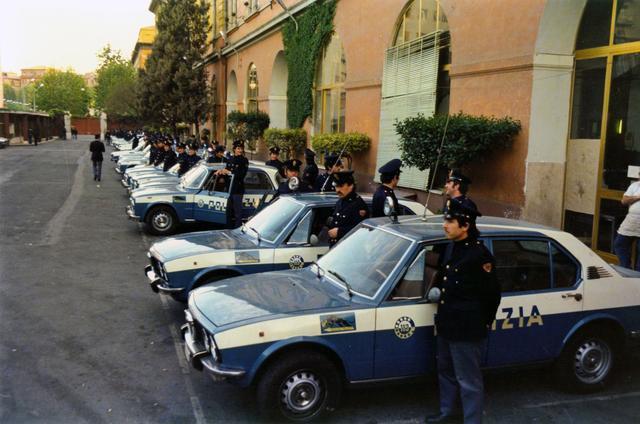 画像2: 70年代の名車の数々がイタリア・ローマを疾走する!
