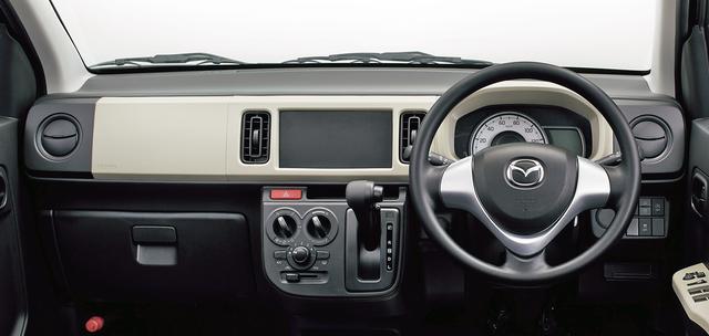 画像: GS(2WD)のインパネ。