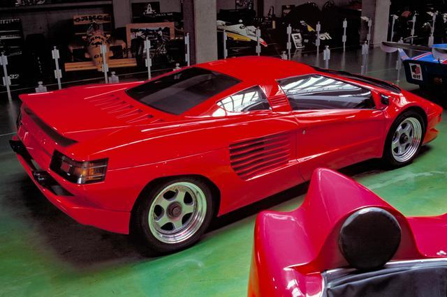 画像: デザインはディアブロなどと同様ガンディーニが手がけたが、シザーズドアではなく普通に開く。