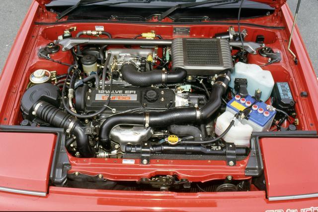 画像: スターレットターボ譲りの2ステージターボエンジンを搭載。