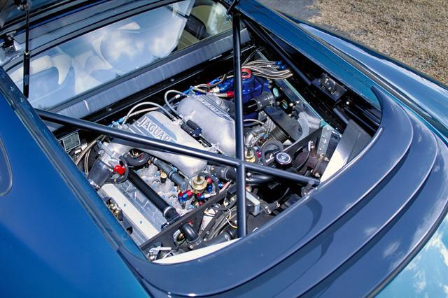 画像: レース用の3.5L V6ツインターボをデチューンとはいえ、542psと65.4kgmを発生した。