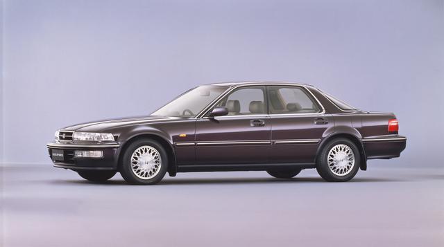 """画像: 従来""""アコード インスパイア""""だったモデルがボディを拡大して3ナンバー専用車となったのが""""インスパイア""""で人気となった。直列5気筒SOHCの2Lと2.5Lエンジンを搭載していた。"""