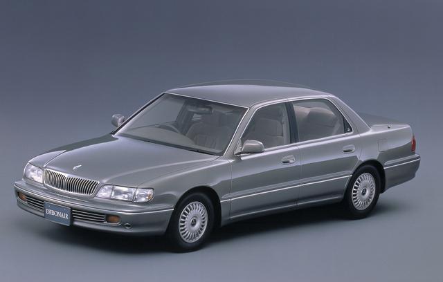 """画像: 三菱の伝統ある高級車""""デボネア""""の結果的に最終型となる3代目が登場したのが平成4年のことだった。全長5mほどもある堂々としたボディに3Lと3.5LのV6エンジンを搭載していた。"""