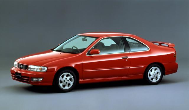 画像: 8代目となるB14型サニーは平成6年1月に発売開始された。ホイールベースは従来型に比べて105mm延長されキャビンスペースを拡大した。5月にはNXクーペの後継車と言えるクーペ版のルキノクーペが追加された。