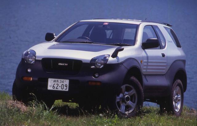画像: いすゞが小型乗用車の生産から撤退して商用車とSUVに注力することになったのは平成5年だが、その4年後に登場したのがスペシャルティカーとSUVのクロスオーバーであるビークロスだ。チーフデザイナーはその後、日産へ移籍した中村史郎であることはあまりにも有名。