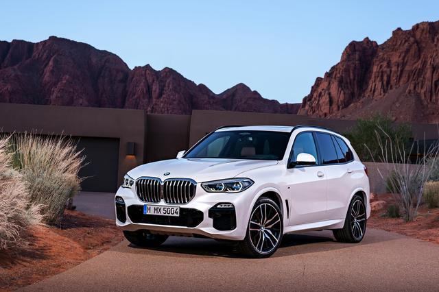 画像: 2018年6月に発表されたX5の第4世代モデル。BMWならではの高い運動性能を備えているのが特徴で、3Lの直列6気筒と4.4LのV8という2種のガソリンエンジンと3L直列6気筒のディーゼルが搭載される。4.4L V8は最高出力3462ps/650Nmを誇る。