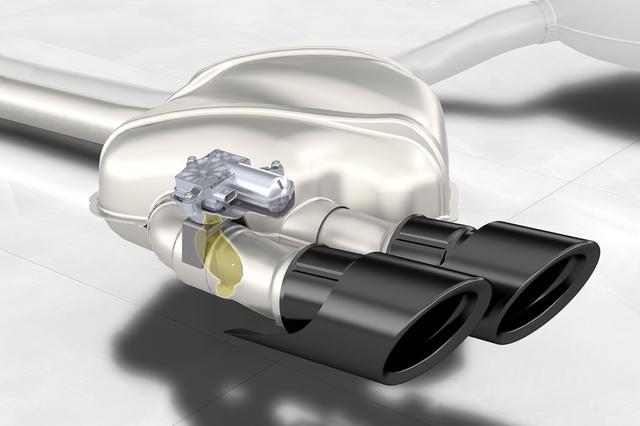 画像: ポルシェ マカンにオプション採用されているバルブ付きテールパイプ「スポーツエグゾーストシステム」。