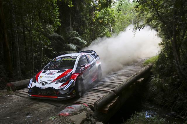 画像: 2018年WRC最終戦ラリー・オーストラリアでのヤリスWRC。2019年仕様とは配色、スポンサーロゴの位置が一部異なる。