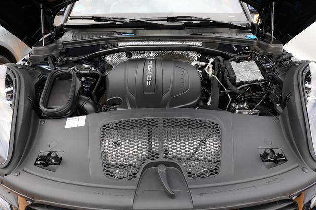 画像: 2L直4ターボエンジンはOPFが装着される欧州仕様で245ps、非装着の日本仕様は252psを発生する。