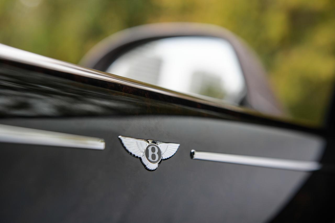 Images : 18番目の画像 - 「ベントレー ミュルザンヌの真実は一般的な高級車の価値観では語れない【スーパーカーファイル】」のアルバム - LAWRENCE - Motorcycle x Cars + α = Your Life.