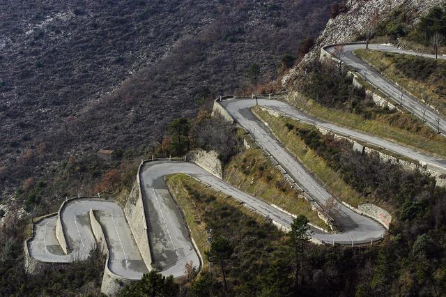 画像: 様々な環境、路面状況の下で速さを競うWRC。