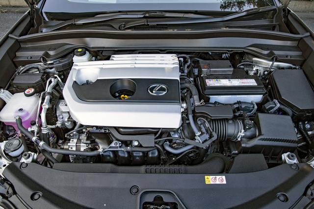 画像: ガソリンの2L直噴エンジン。世界トップレベルの熱効率40%を実現しつつ、高回転まで軽快に回る。