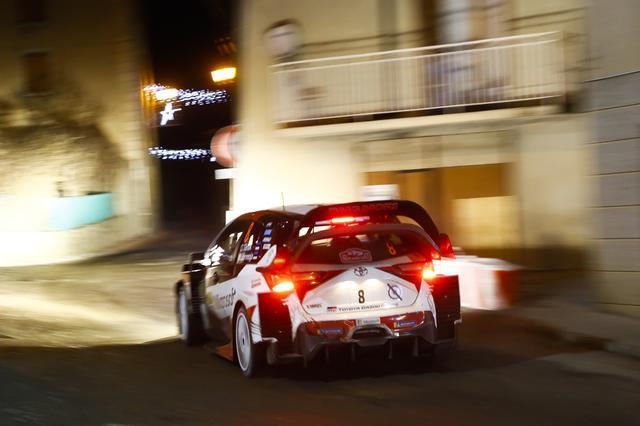 画像: 初日トップに経ったトヨタのタナック。