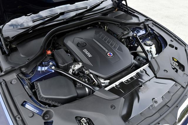 画像: BMW伝統のストレート6。ディーゼルでもその圧倒的なスムーズ感は、サルーンの走りに抜群に似合っている。