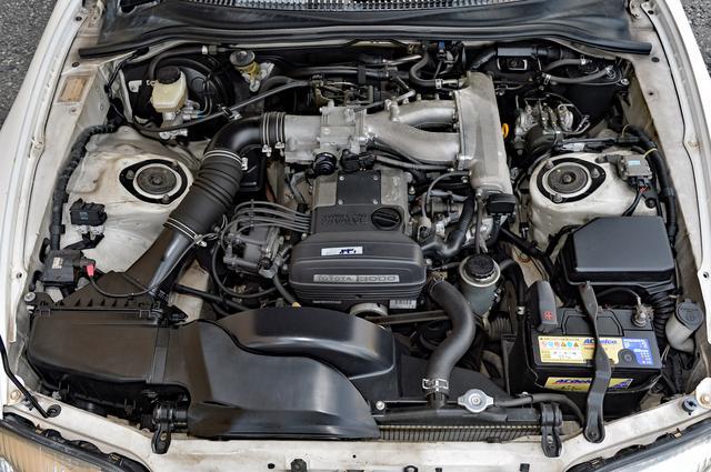 画像: 撮影車はノンターボの2JZ-GE型エンジンで、225psと29kgmながら5速MTを駆使すれば素直な吹け上がりが楽しめる。