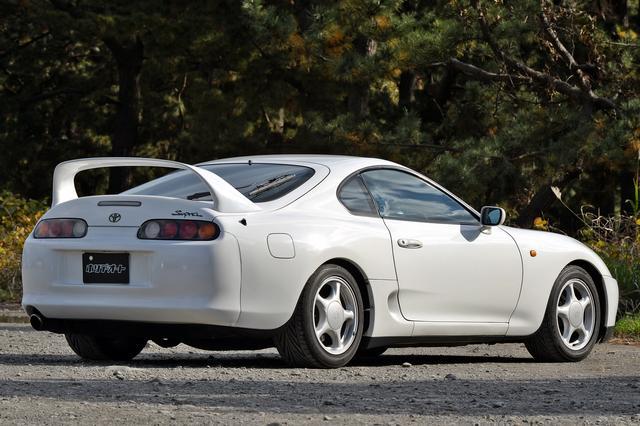 画像: 撮影車は1996年式のSZ-R。ボディカラーは、スーパーホワイトII。