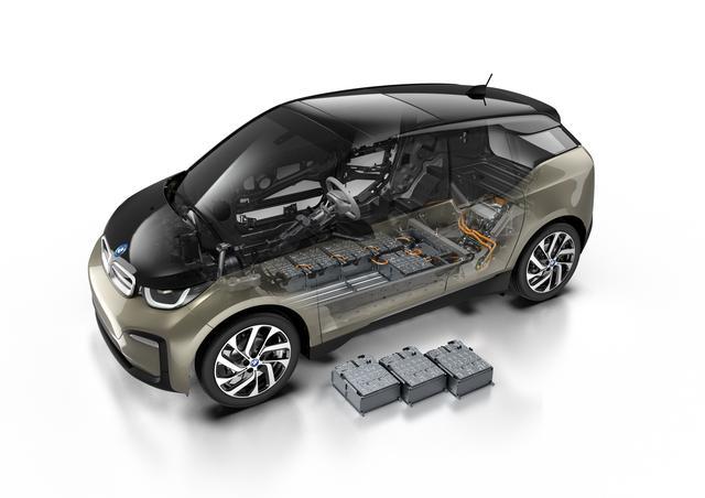 画像: 最新の120Ahリチウムイオン・バッテリーを搭載、総電力量を33kWhから42kWhに拡大。