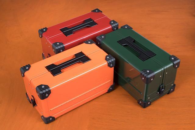画像: 右から時計回りにEK-10Aの新色(数量&期間限定)となるディープグリーン、ブライトオレンジ、パールレッド。
